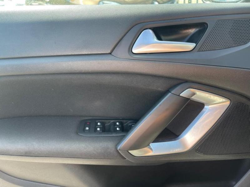 Photo 20 de l'offre de PEUGEOT 308 1.2I PURETECH 12V S&S - 110 ALLURE GPS CAMERA à 11990€ chez Triplo auto