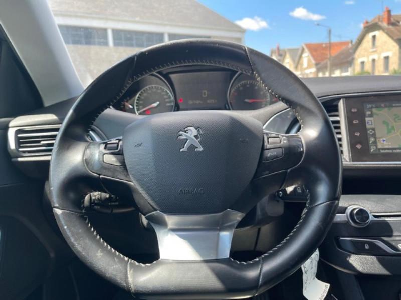 Photo 16 de l'offre de PEUGEOT 308 1.2I PURETECH 12V S&S - 110 ALLURE GPS CAMERA à 11990€ chez Triplo auto