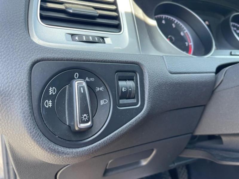 Photo 23 de l'offre de VOLKSWAGEN GOLF VII 1.4 TSI 122 DSG7 LOUNGE GPS CAMERA à 14490€ chez Triplo auto