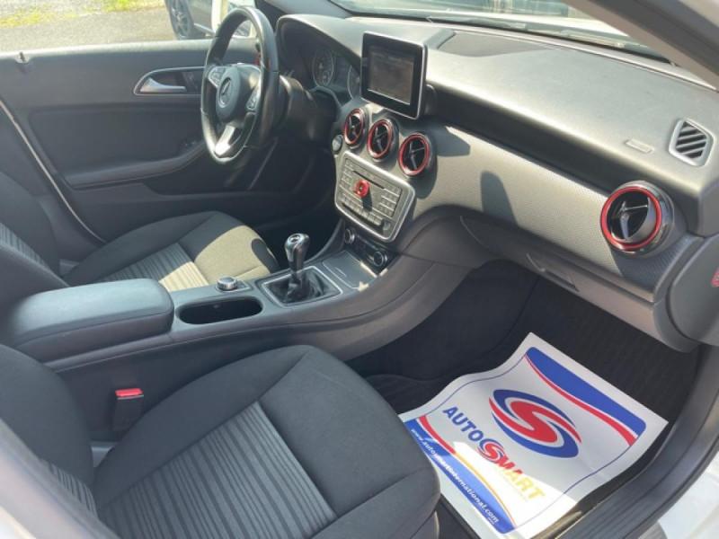 Photo 12 de l'offre de MERCEDES-BENZ CLASSE A A 160  BERLINE - BM 176 INTUITION PHASE 2 à 14990€ chez Triplo auto
