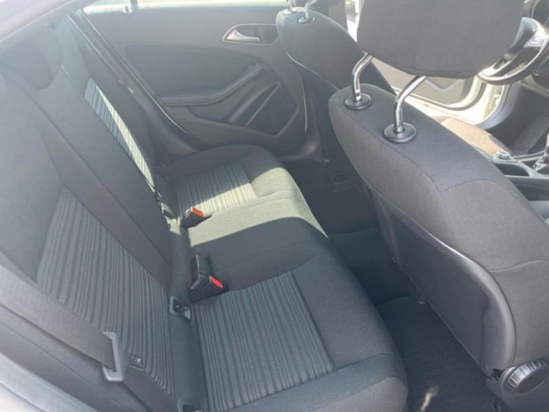 Photo 11 de l'offre de MERCEDES-BENZ CLASSE A A 160  BERLINE - BM 176 INTUITION PHASE 2 à 14990€ chez Triplo auto