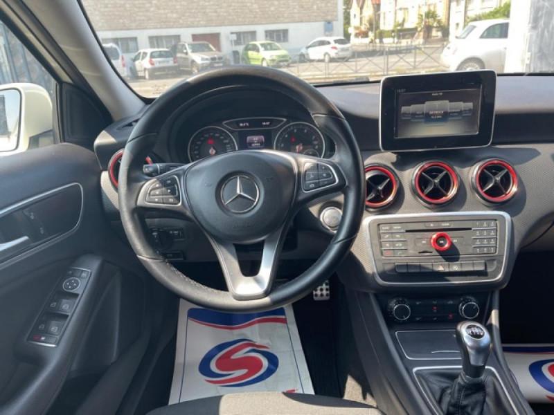 Photo 14 de l'offre de MERCEDES-BENZ CLASSE A A 160  BERLINE - BM 176 INTUITION PHASE 2 à 14990€ chez Triplo auto
