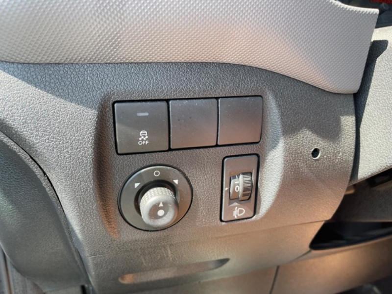 Photo 16 de l'offre de PEUGEOT PARTNER 1.6 BLUEHDI - 75  II PREMIUM CLIM à 10990€ chez Triplo auto