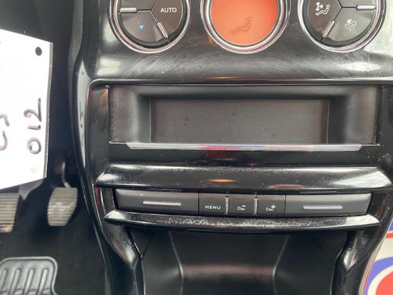 Photo 16 de l'offre de CITROEN C3 1.6 BHDI 100 S&S CONFORT BUSINESS GPS à 9490€ chez Triplo auto