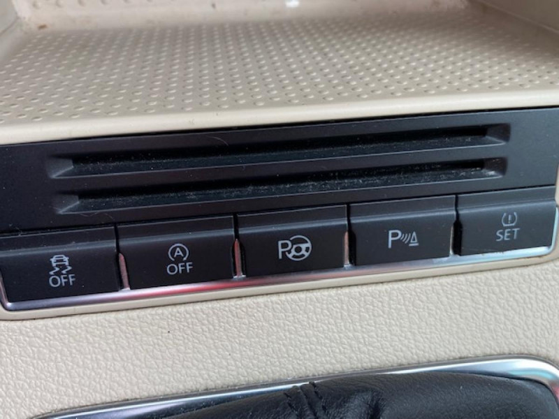 Photo 19 de l'offre de VOLKSWAGEN TIGUAN 2.0 TDI 140  CARAT   CUIR   TOIT OUVRANT   PARK ASSIST à 10990€ chez Triplo auto
