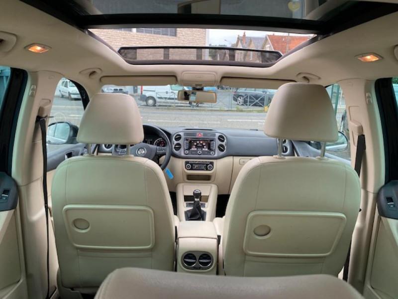 Photo 10 de l'offre de VOLKSWAGEN TIGUAN 2.0 TDI 140  CARAT   CUIR   TOIT OUVRANT   PARK ASSIST à 10990€ chez Triplo auto