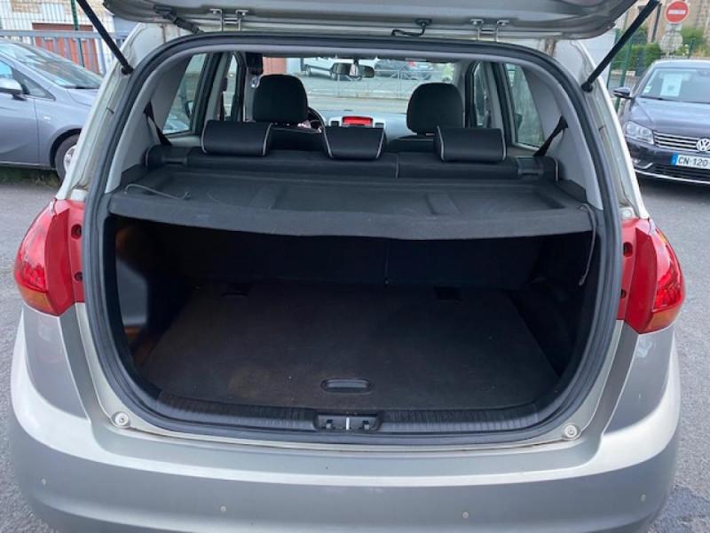 Photo 9 de l'offre de KIA VENGA 1.6 CRDI 115  ACTIVE CLIM à 7990€ chez Triplo auto