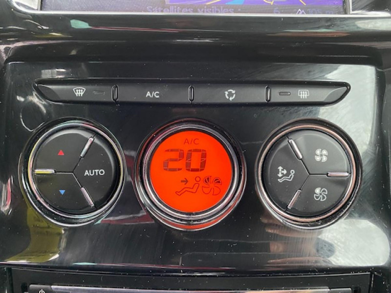 Photo 20 de l'offre de DS DS3 1.6 E-HDI 90 BVA  SO CHIC GPS   RADAR AR à 9990€ chez Triplo auto