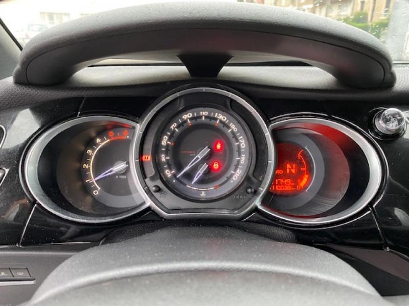 Photo 15 de l'offre de DS DS3 1.6 E-HDI 90 BVA  SO CHIC GPS   RADAR AR à 9990€ chez Triplo auto