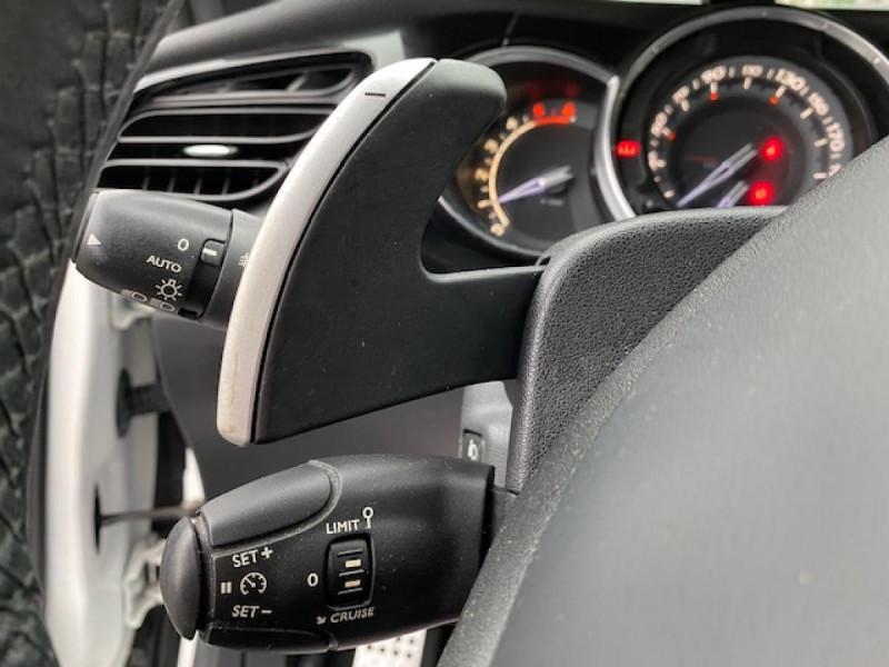Photo 25 de l'offre de DS DS3 1.6 E-HDI 90 BVA  SO CHIC GPS   RADAR AR à 9990€ chez Triplo auto