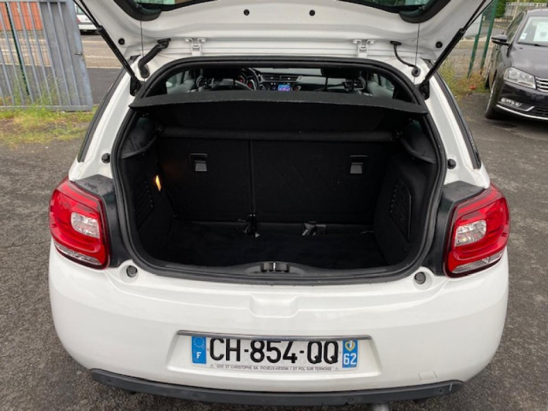 Photo 9 de l'offre de DS DS3 1.6 E-HDI 90 BVA  SO CHIC GPS   RADAR AR à 9990€ chez Triplo auto
