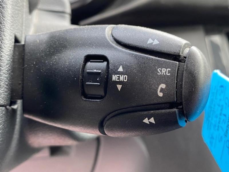 Photo 23 de l'offre de PEUGEOT 3008 1.6 VTI 16V  ACTIVE GPS à 7990€ chez Triplo auto