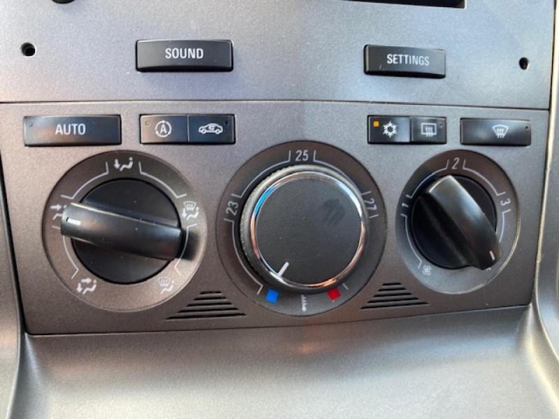 Photo 23 de l'offre de OPEL ANTARA 2.0 CDTI 150 - BVA COSMO  à 7990€ chez Triplo auto