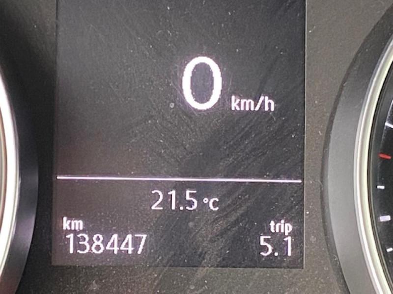 Photo 27 de l'offre de VOLKSWAGEN GOLF 1.6 TDI 115 CONFORTLINE BUSINESS SW   RADAR AV AR à 11490€ chez Triplo auto