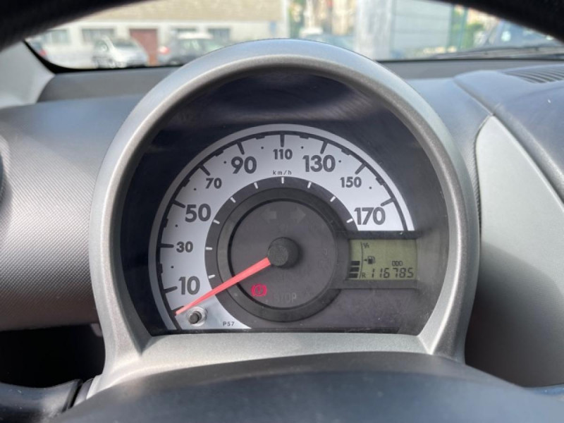 Photo 17 de l'offre de TOYOTA AYGO 1.0 VVT-I 68 5P UP  à 4490€ chez Triplo auto