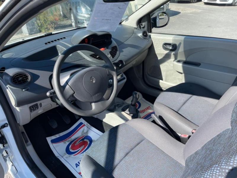 Photo 12 de l'offre de RENAULT TWINGO 1.5 DCI 65 EXPRESSION  à 4990€ chez Triplo auto