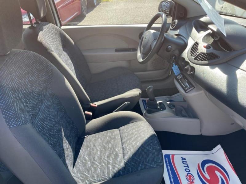 Photo 15 de l'offre de RENAULT TWINGO 1.5 DCI 65 EXPRESSION  à 4990€ chez Triplo auto