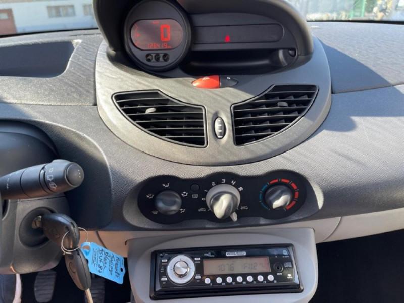 Photo 16 de l'offre de RENAULT TWINGO 1.5 DCI 65 EXPRESSION  à 4990€ chez Triplo auto