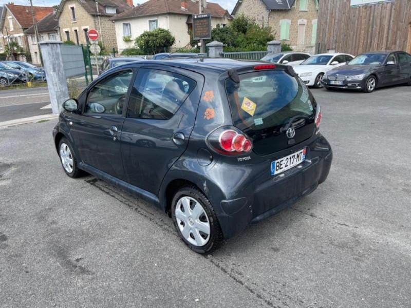 Photo 3 de l'offre de TOYOTA AYGO 1.0 VVT-I 68 5P UP  à 4490€ chez Triplo auto