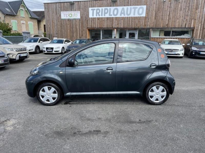 Photo 2 de l'offre de TOYOTA AYGO 1.0 VVT-I 68 5P UP  à 4490€ chez Triplo auto