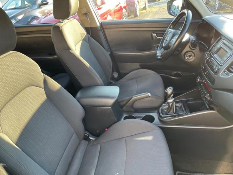Photo 12 de l'offre de KIA CARENS 1.7 CRDI 115 ACTIVE   ATTELAGE à 7790€ chez Triplo auto