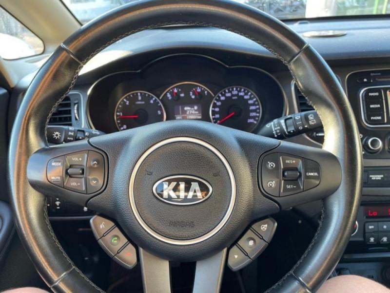 Photo 16 de l'offre de KIA CARENS 1.7 CRDI 115 ACTIVE   ATTELAGE à 7790€ chez Triplo auto