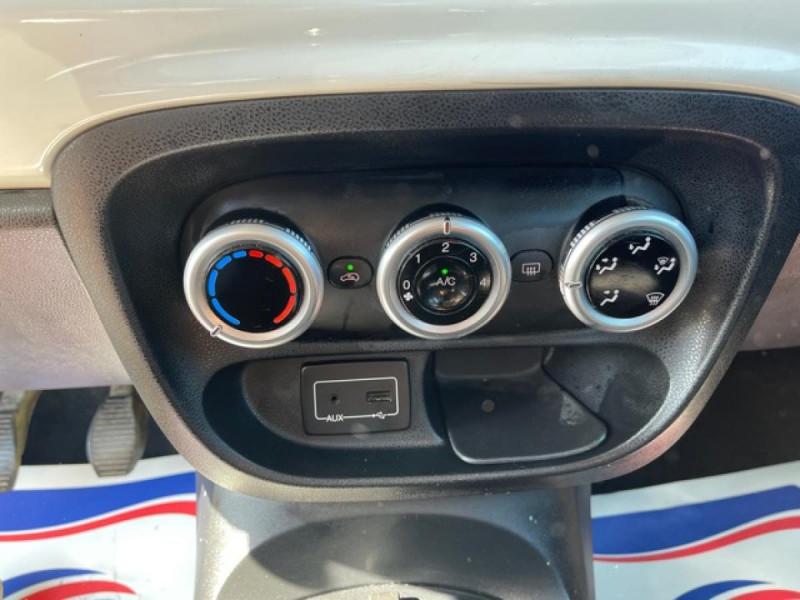 Photo 16 de l'offre de FIAT 500L 1.3 MULTIJET 95 S&S LOUNGE GPS à 9990€ chez Triplo auto