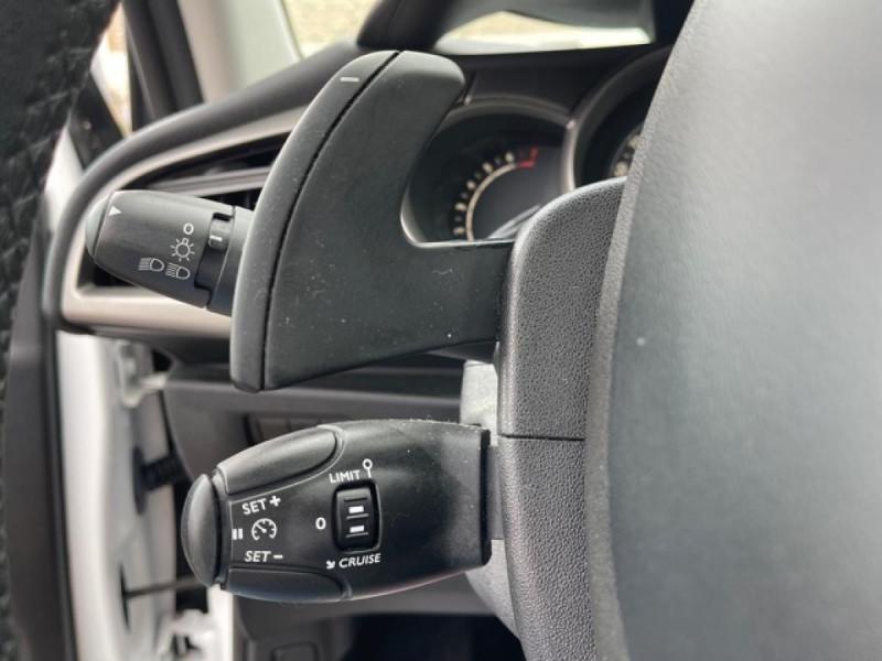 Photo 18 de l'offre de CITROEN C3 1.2 82 ETG FEEL EDITION BOITE AUTO  à 11990€ chez Triplo auto