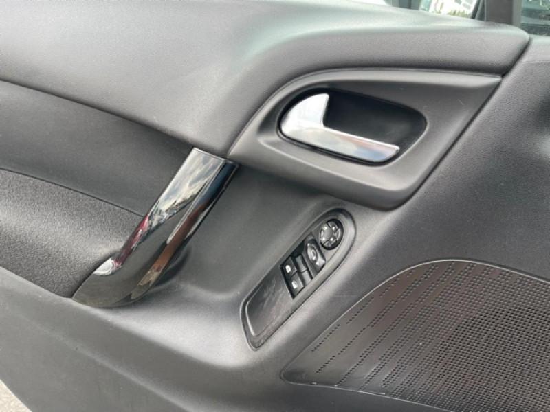 Photo 21 de l'offre de CITROEN C3 1.2 82 ETG FEEL EDITION BOITE AUTO  à 11990€ chez Triplo auto