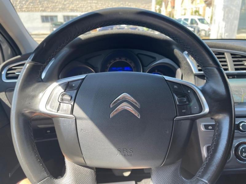 Photo 22 de l'offre de CITROEN C4 1.6 BLUEHDI S&S 120 EAT6 SHINE GPS à 10990€ chez Triplo auto