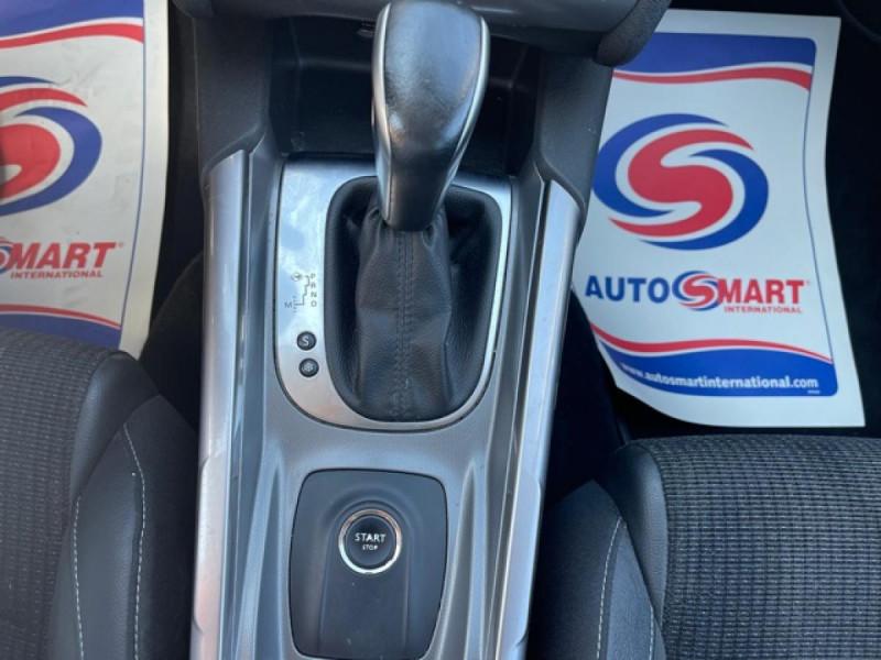 Photo 17 de l'offre de CITROEN C4 1.6 BLUEHDI S&S 120 EAT6 SHINE GPS à 10990€ chez Triplo auto