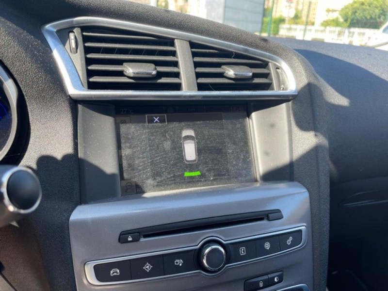 Photo 18 de l'offre de CITROEN C4 1.6 BLUEHDI S&S 120 EAT6 SHINE GPS à 10990€ chez Triplo auto