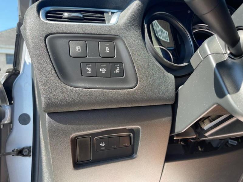 Photo 19 de l'offre de CITROEN C4 1.6 BLUEHDI S&S 120 EAT6 SHINE GPS à 10990€ chez Triplo auto