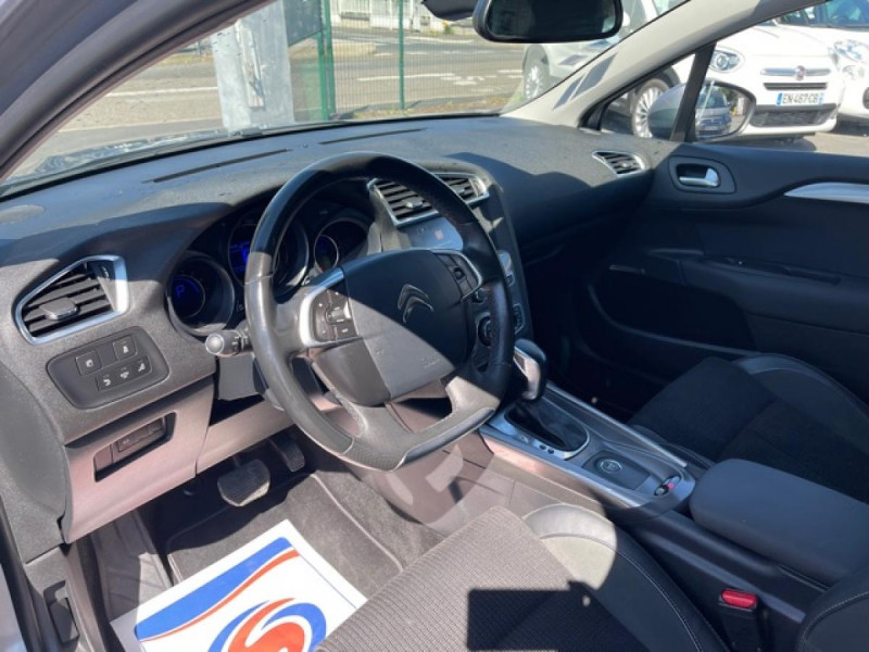 Photo 10 de l'offre de CITROEN C4 1.6 BLUEHDI S&S 120 EAT6 SHINE GPS à 10990€ chez Triplo auto