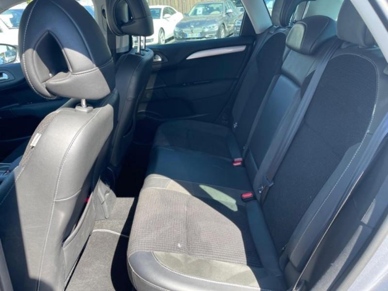 Photo 11 de l'offre de CITROEN C4 1.6 BLUEHDI S&S 120 EAT6 SHINE GPS à 10990€ chez Triplo auto