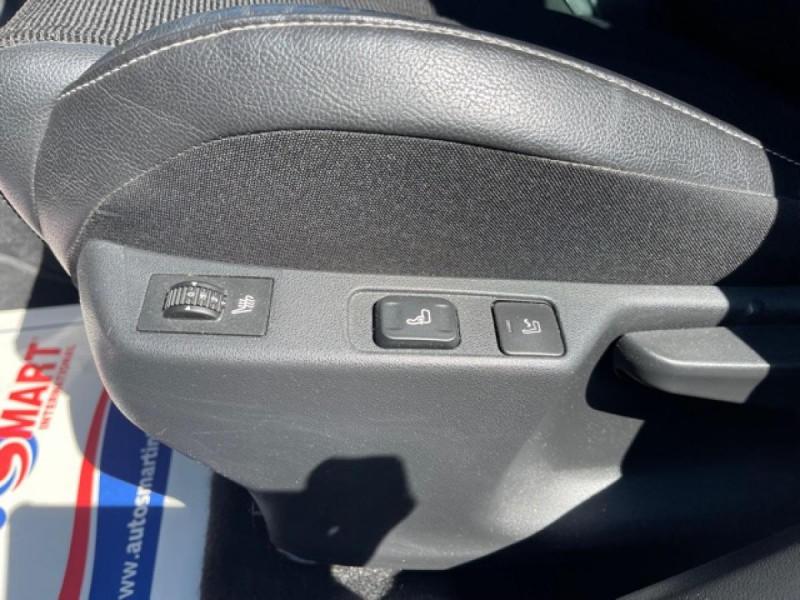 Photo 14 de l'offre de CITROEN C4 1.6 BLUEHDI S&S 120 EAT6 SHINE GPS à 10990€ chez Triplo auto