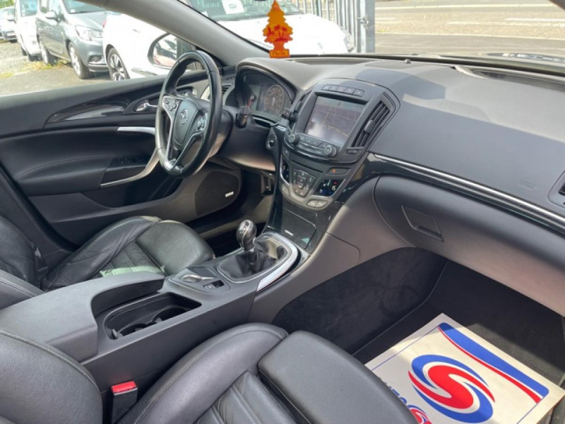 Photo 15 de l'offre de OPEL INSIGNIA 2.0 CDTI 163 S&S 4X4 COUNTRY TOURER GPS CAMERA TOIT OUVRANT à 10990€ chez Triplo auto