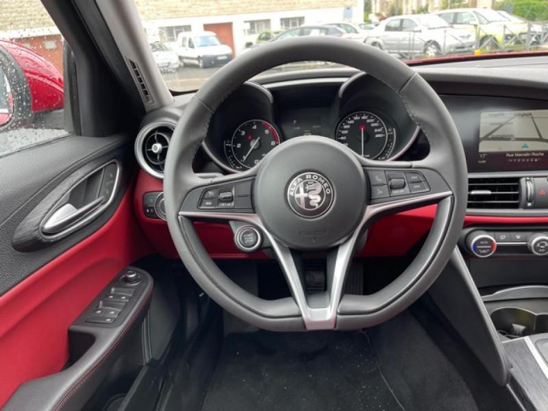 Photo 15 de l'offre de ALFA ROMEO GIULIA 2.2 D 136 - BVA SUPER CUIR ROUGE GPS à 21990€ chez Triplo auto
