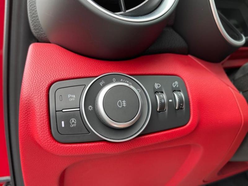 Photo 21 de l'offre de ALFA ROMEO GIULIA 2.2 D 136 - BVA SUPER CUIR ROUGE GPS à 21990€ chez Triplo auto