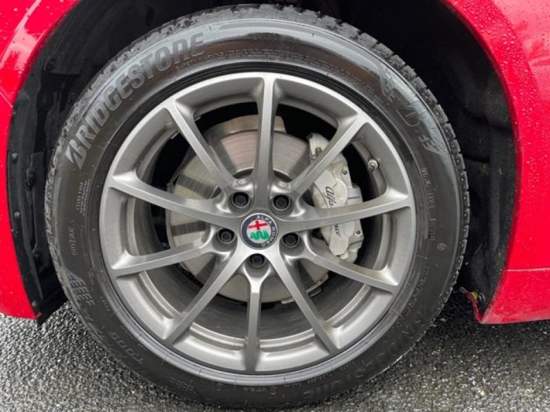 Photo 17 de l'offre de ALFA ROMEO GIULIA 2.2 D 136 - BVA SUPER CUIR ROUGE GPS à 21990€ chez Triplo auto