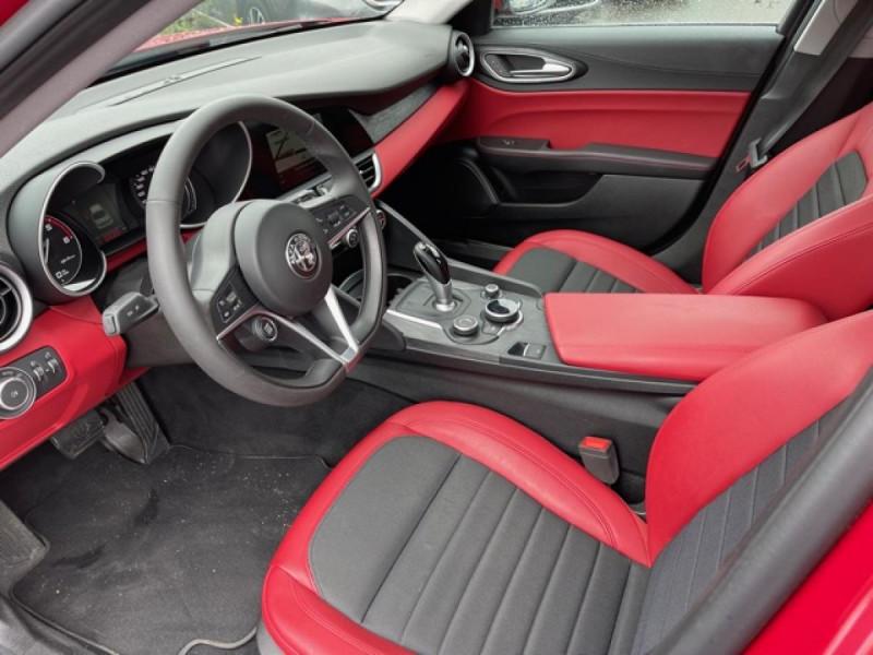 Photo 10 de l'offre de ALFA ROMEO GIULIA 2.2 D 136 - BVA SUPER CUIR ROUGE GPS à 21990€ chez Triplo auto