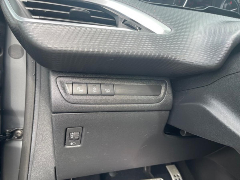 Photo 22 de l'offre de PEUGEOT 208 1.2I S&S 110 EAT6 GT LINE GPS CAMERA PARK ASSIST à 10990€ chez Triplo auto