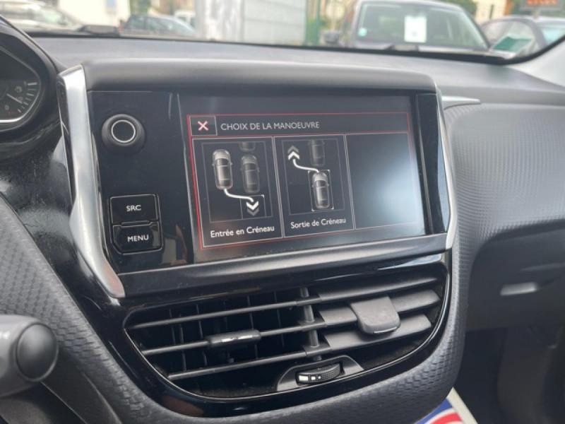Photo 18 de l'offre de PEUGEOT 208 1.2I S&S 110 EAT6 GT LINE GPS CAMERA PARK ASSIST à 10990€ chez Triplo auto