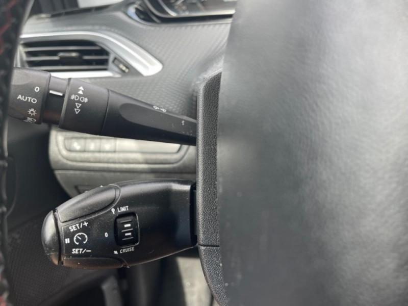 Photo 19 de l'offre de PEUGEOT 208 1.2I S&S 110 EAT6 GT LINE GPS CAMERA PARK ASSIST à 10990€ chez Triplo auto