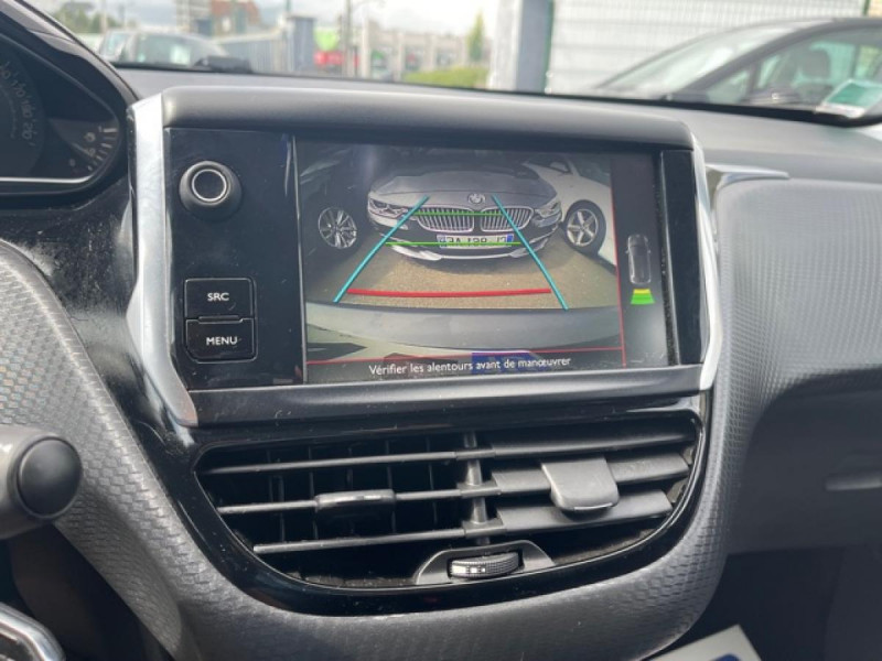 Photo 17 de l'offre de PEUGEOT 208 1.2I S&S 110 EAT6 GT LINE GPS CAMERA PARK ASSIST à 10990€ chez Triplo auto