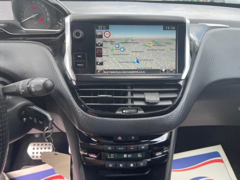 Photo 16 de l'offre de PEUGEOT 208 1.2I S&S 110 EAT6 GT LINE GPS CAMERA PARK ASSIST à 10990€ chez Triplo auto