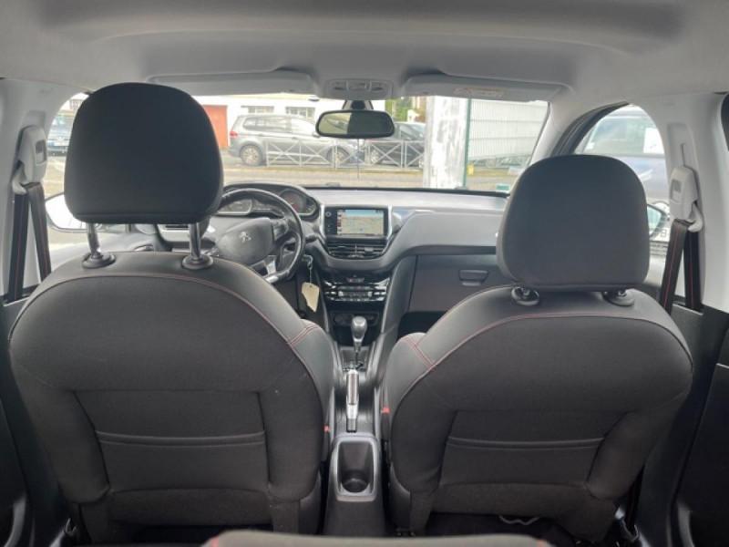 Photo 9 de l'offre de PEUGEOT 208 1.2I S&S 110 EAT6 GT LINE GPS CAMERA PARK ASSIST à 10990€ chez Triplo auto