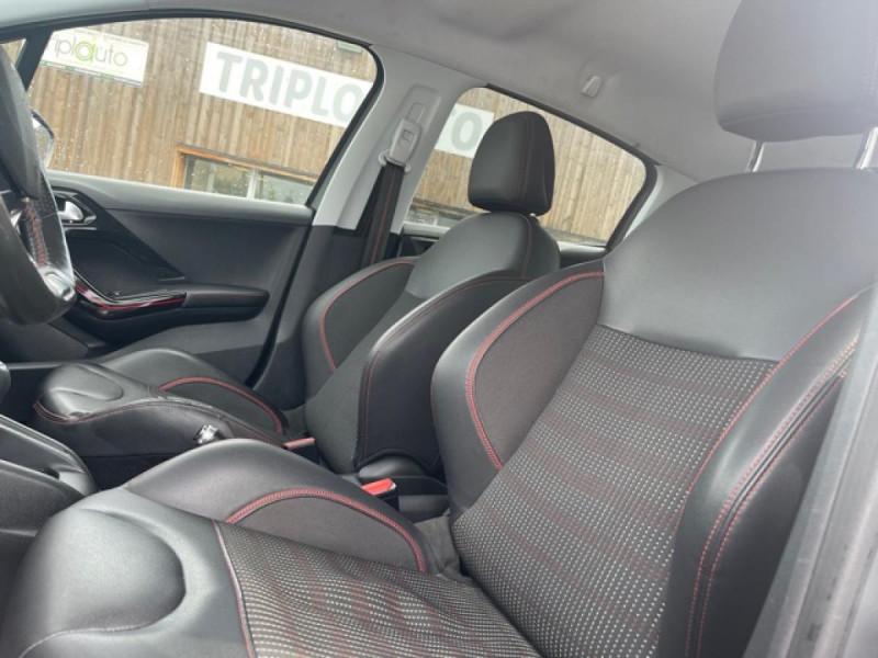 Photo 23 de l'offre de PEUGEOT 208 1.2I S&S 110 EAT6 GT LINE GPS CAMERA PARK ASSIST à 10990€ chez Triplo auto