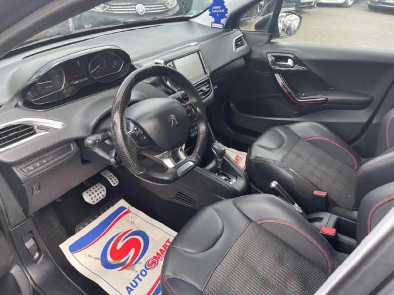 Photo 11 de l'offre de PEUGEOT 208 1.2I S&S 110 EAT6 GT LINE GPS CAMERA PARK ASSIST à 10990€ chez Triplo auto