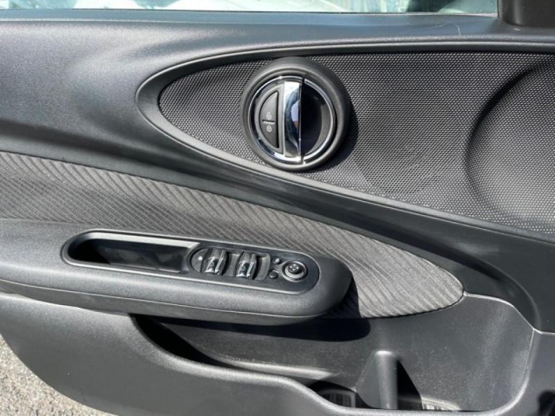 Photo 19 de l'offre de MINI MINI CLUBMAN 2.0 D 150 BVA BUSINESS GPS à 15990€ chez Triplo auto